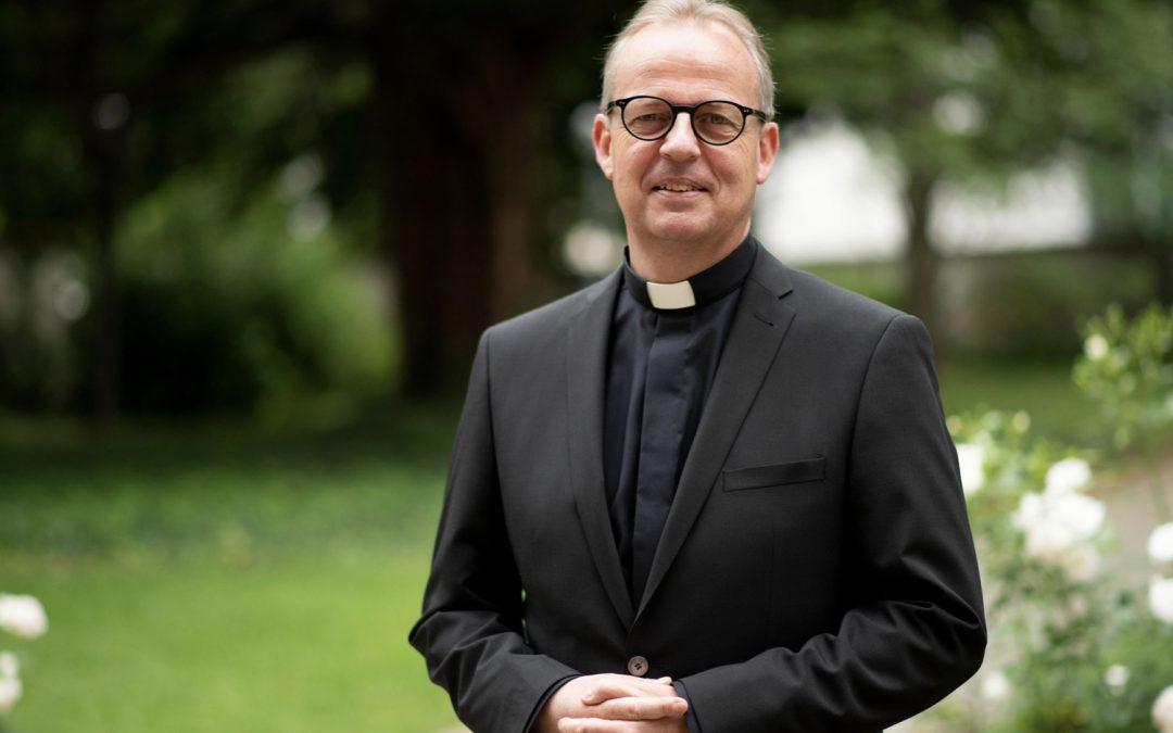 Neuer Weihbischof für das Erzbistum wird Sonntag geweiht