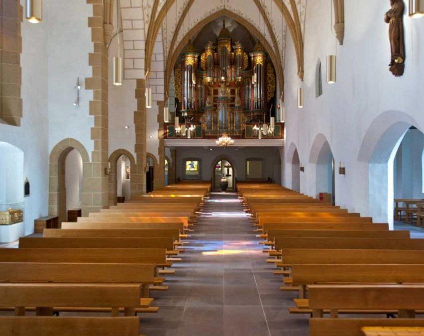 Neuer Kirchenführer weist den Weg