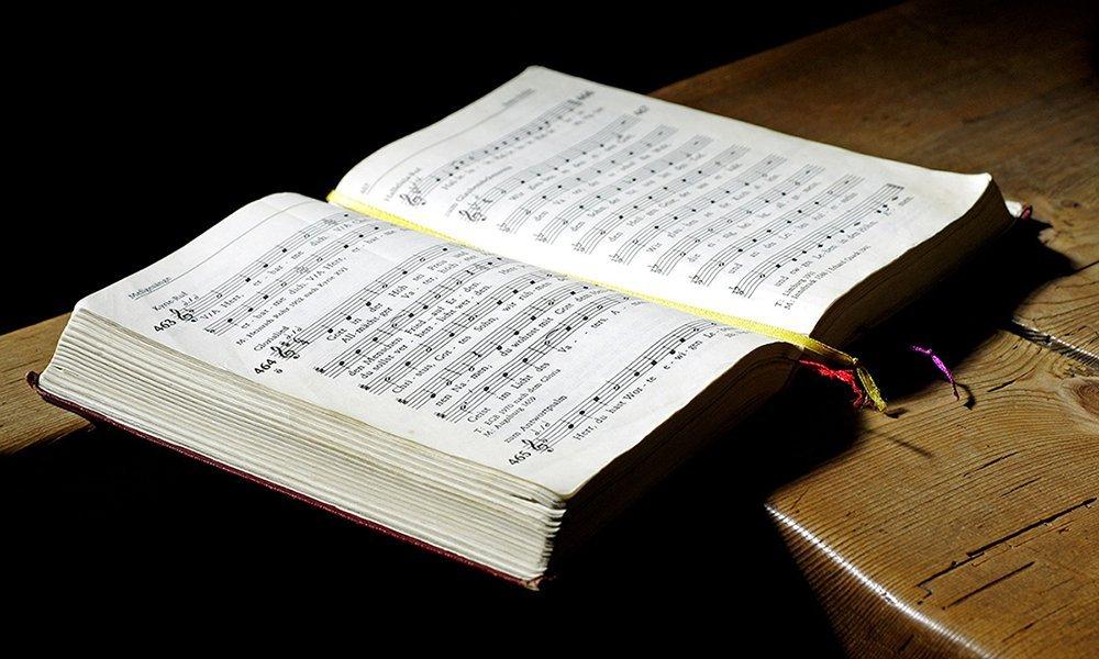 Singen im Gottesdienst wieder möglich! – Lockerungen bei der Maskenpflicht