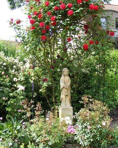 20 Jahre Marienstatue im Mariengarten Heilig Geist